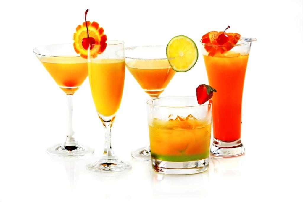 You will need: 1.5 oz Grey Goose Vodka .5 oz Mandarine Napoléon 3 oz Mango nectar 1 oz Fresh lemon juice Club soda