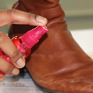 Use a mix of distilled vinegar and water to get salt stains out of leather boots in the winter time