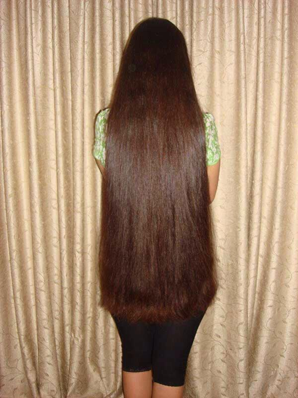30 Natural Remedies For Your Hair To Grow Faster And