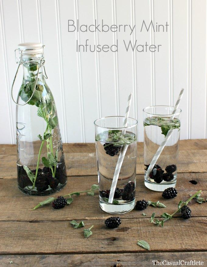 9. Blackberry and mint Infusing water with blackberries and fresh mint makes for a tasty refreshing treat. Blackberries are a highly nutritious berry that will infuse your water with amazing antioxidants.