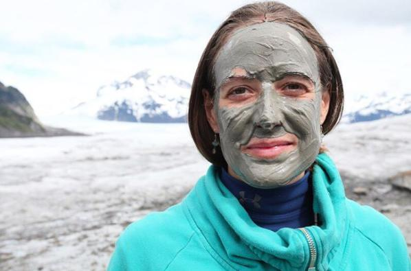 You've been looking for your mud masks in all the wrong places. You probably know, Dead Sea masks have been everyone's go-to mud mask, until now. So if you thought your search for your holy grail mud mask was over - you thought wrong. Turns out, the most detoxifying, nourishing and mineral-packed mud mask lies inside any fisherman's heaven, Alaska's Copper River Delta.