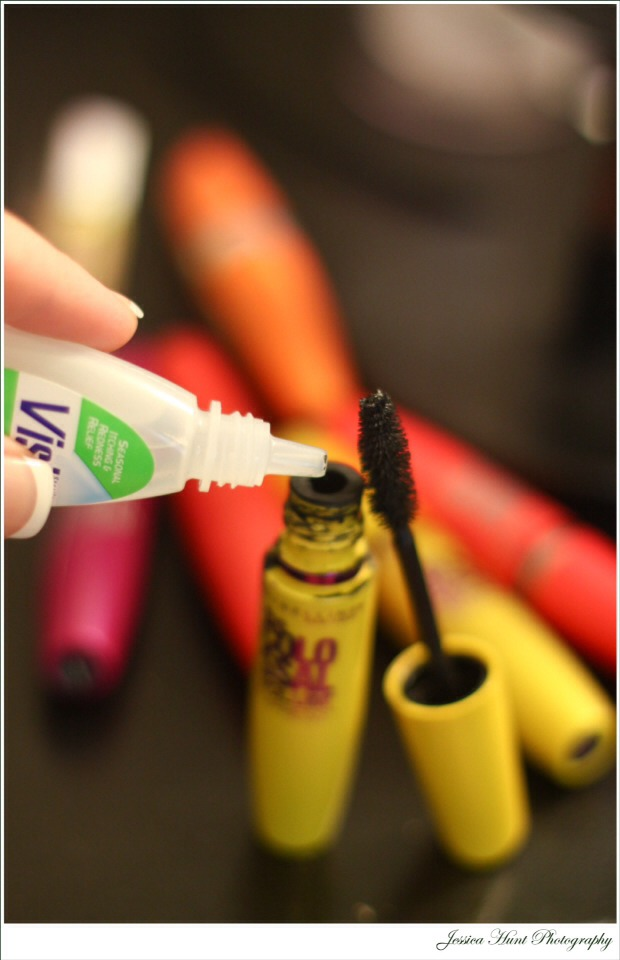 Add 2 or 3 drops of eye drops to drying mascara to make it new again!
