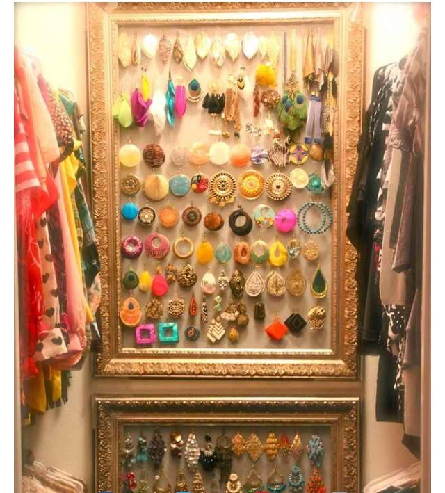 If u've got wall space in your closet,  utilise it 😊
