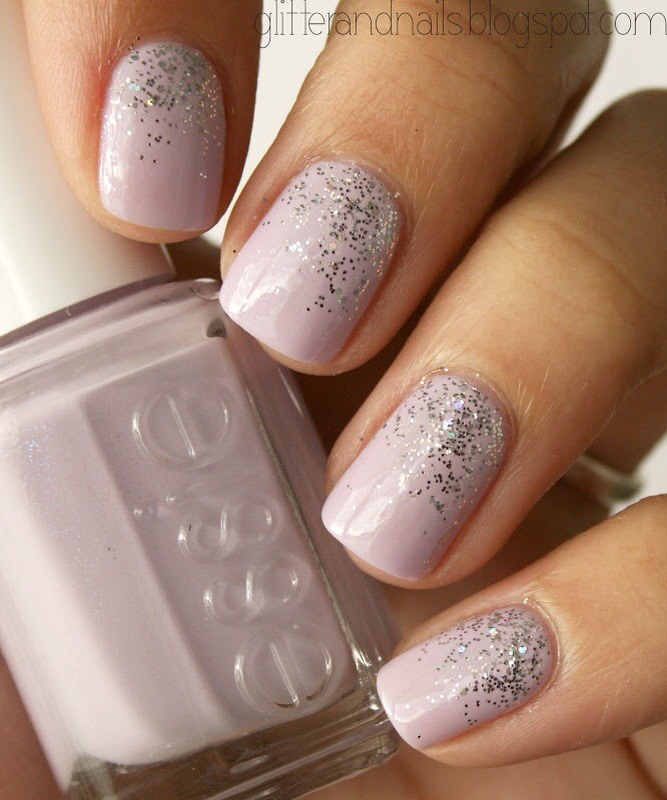 Silver dipped gray glitters - Musely