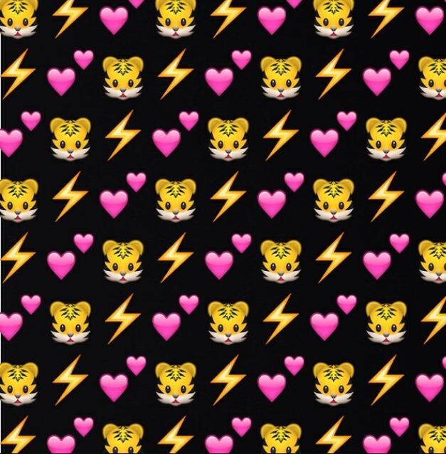 Cute Emoji Wallpapers By Raujnae Turner Musely