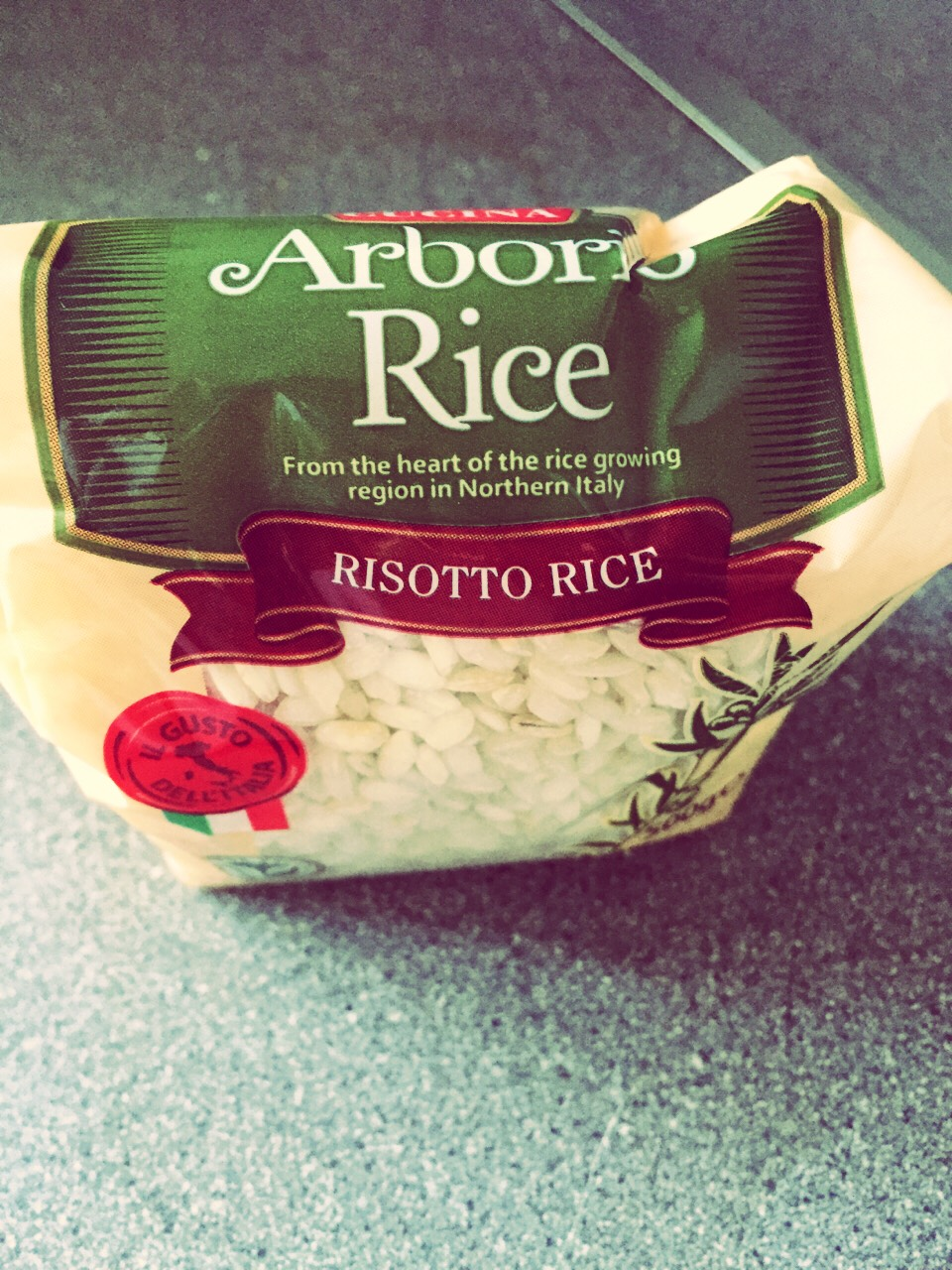 Measure out 1 cup arborio rice (enough for 2 people) and add to your stock mixture :)