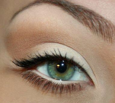 Neutral eye creamy white in the water line