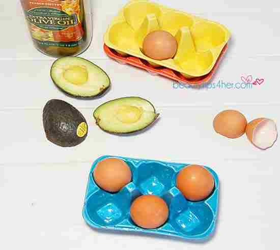 1⃣: Egg and Avocado Treatment   879  You'll Need: 1 avocado, pitted and skinned 1 egg white 3 tablespoons olive oil