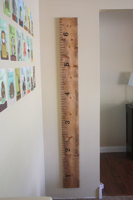 Build this adorable oversize ruler measuring chart