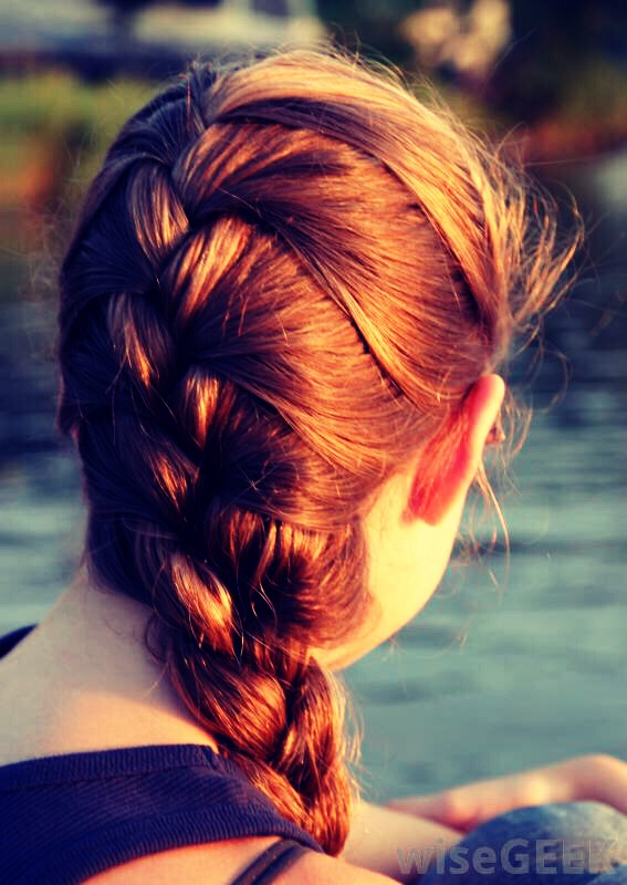 For some people the French braid is not ideal butis cute and comfortable😜