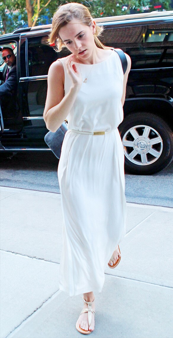 Long white dress, gold buckle belt. Emma Watson has proved once again that she is a princess. White is always a win. 💁
