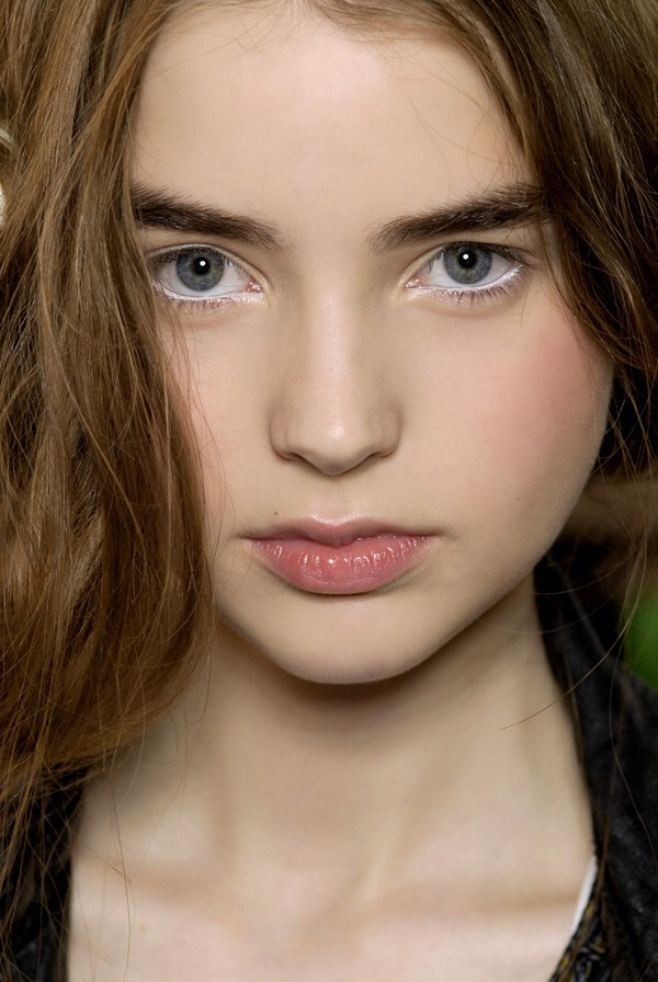 White liner makes eyes look bigger