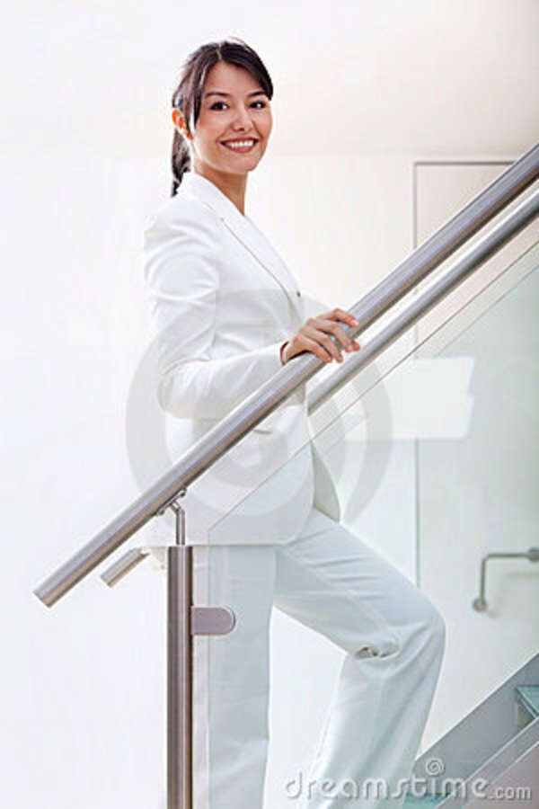 Rafael Elias/Getty Take the stairs In the same time you waste waiting for the elevator to come, you could be improving your physique. Climbing stairs burns seven-to-10 calories per minute, and climbing down burns about one-third of that, says Keri Glassman, author of The New You and Improved You Die