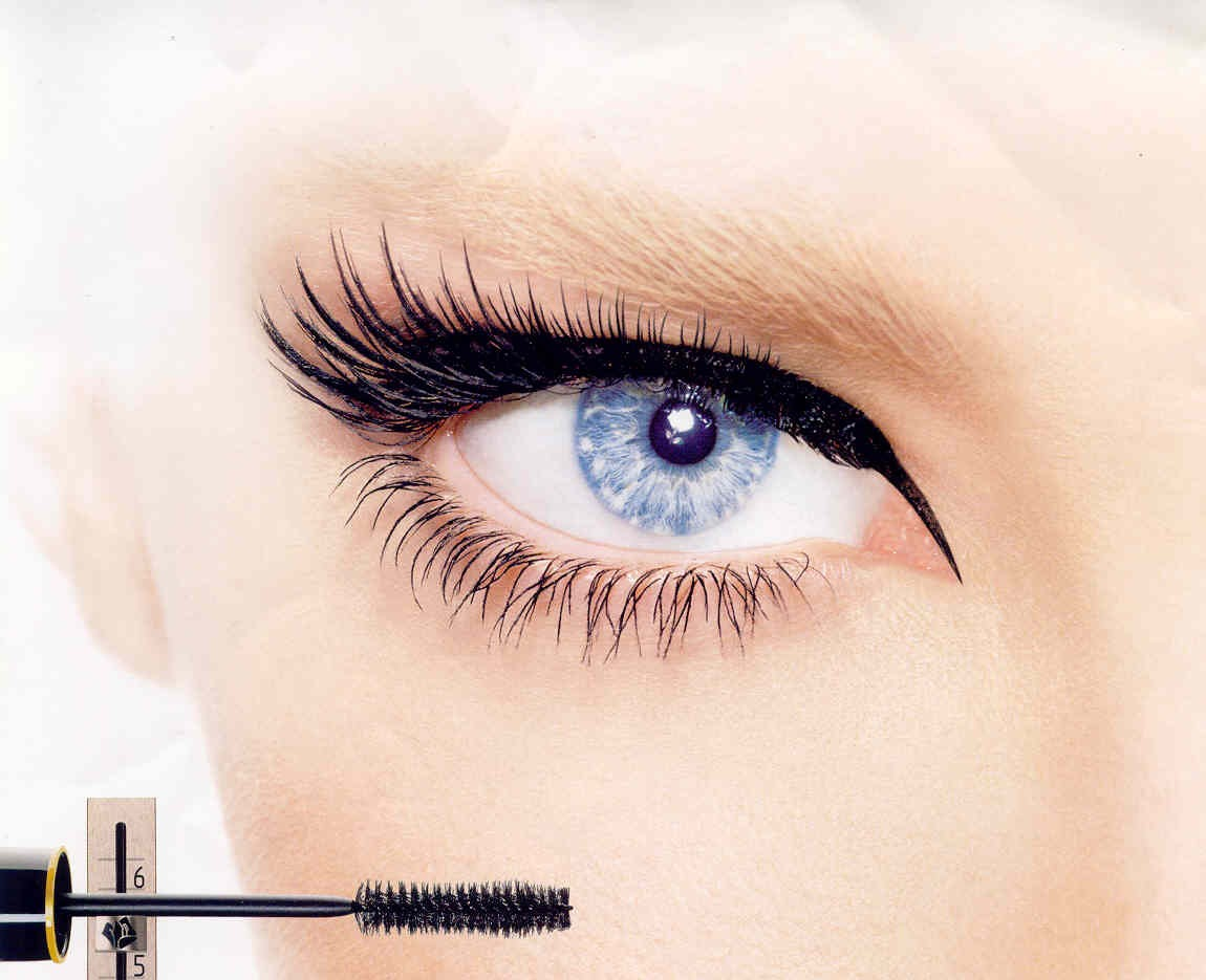 Once the liner is done, curl the lash and apply a double coat of mascara.