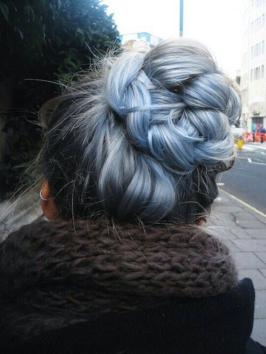 2. Blue Grey Ombre Hairstyle