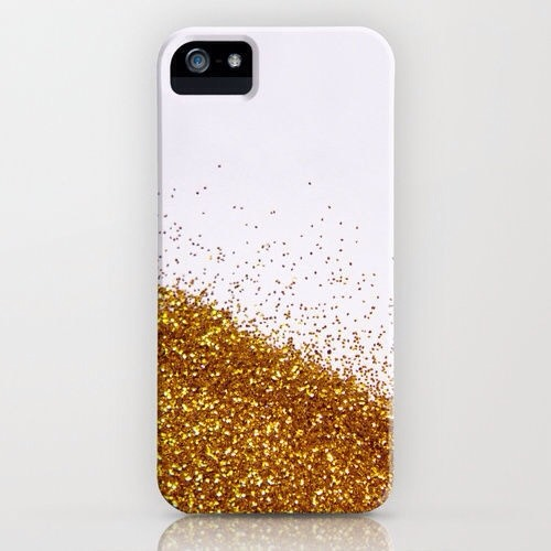 Again like the previous one, this one is for the glitzy and glam types. Whether or not you choose to cover your entire case, make sure that you use a layer of Modge Podge before and after you put the glitter on. Be sure not to make the layer too think or else it won't have a smooth effect.