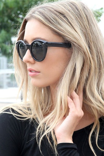 """Ask your colorist to """"paint"""" highlights rather than using foils for a natural, sunkissed look."""