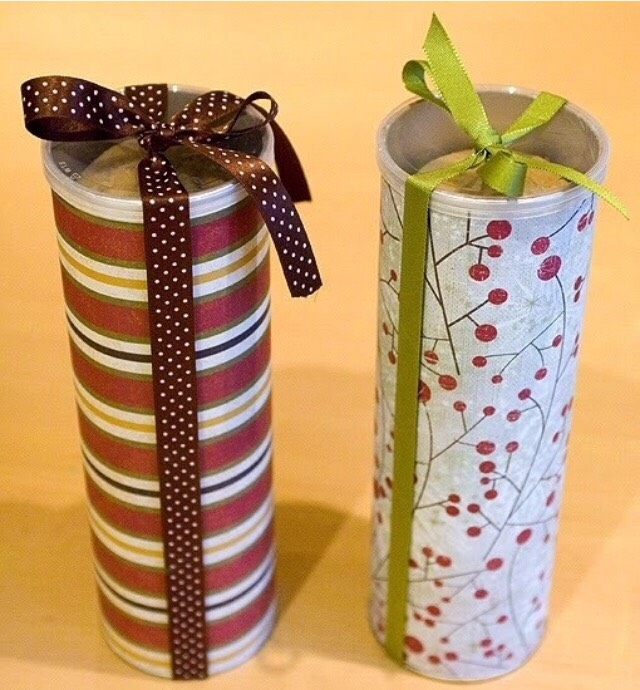 Decorate empty pringles cans for home made cookies
