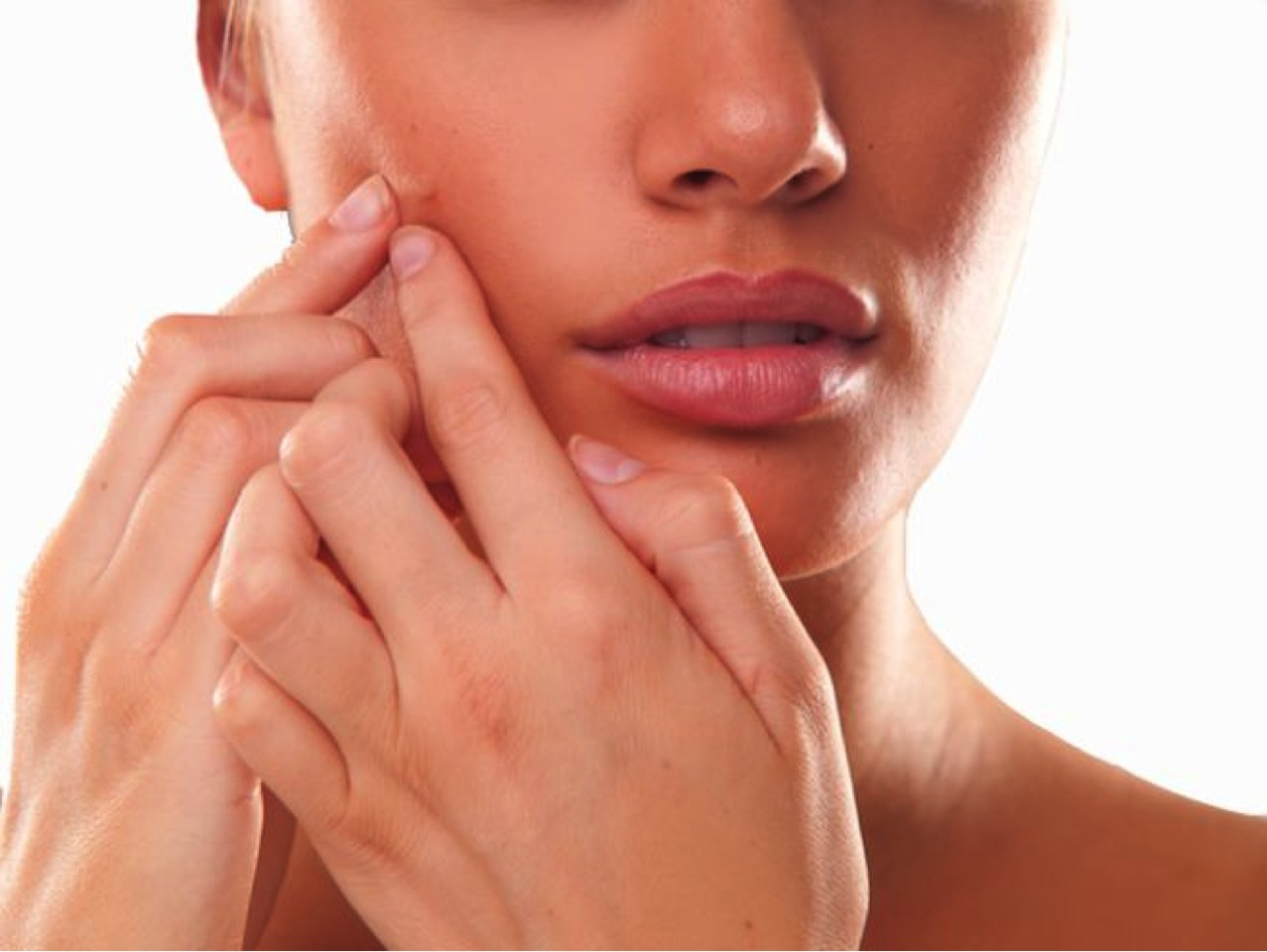 Pesky pimples keeping you hidden? Get out and about with this magnificent beauty hack! Don't pop that blemish! Not only does it increase the chance of scarring, it is also likely that you will worsen the blemish and spread bacteria to other places on your face which could rise to another breakout.