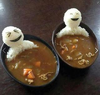 Turn that boring vegetable soup into a warm bath for these cute little guys! All you need for this is soup, and white rice to mold the figures of these men :)