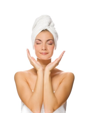 Take a cotton pad or the corner of a washcloth and dip it into the solution. Spread evenly all over your face.