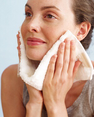 Step4: Damp face with towel