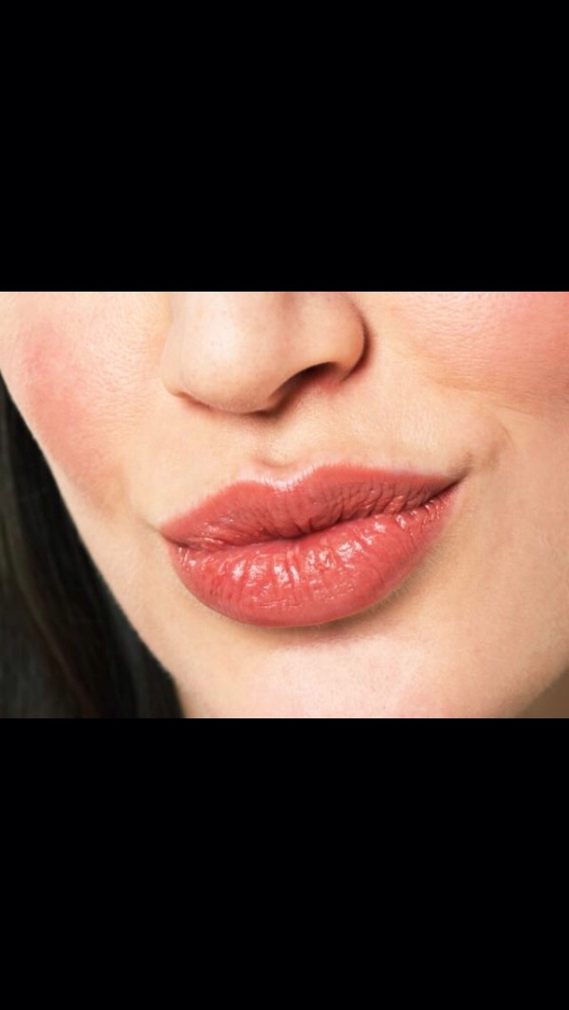 How To Get Big Pink Lips Naturally