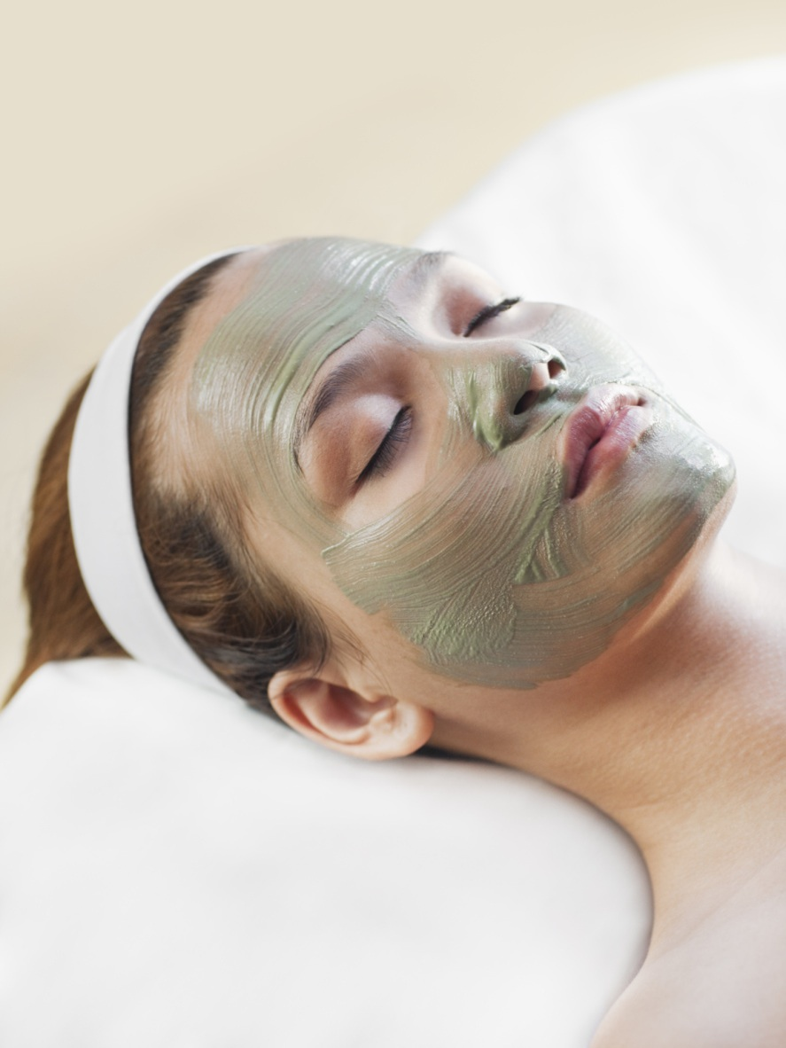 The Basic  Use somebentonite clayor kaolin clay and add enough water to make a paste. Apply to face in a circular motion until face is covered. Let dry and use a warm, wet washcloth to remove. Good for: All skin types
