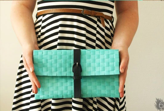 6. Close your belt and your beautiful and easy no-sew clutch is ready!
