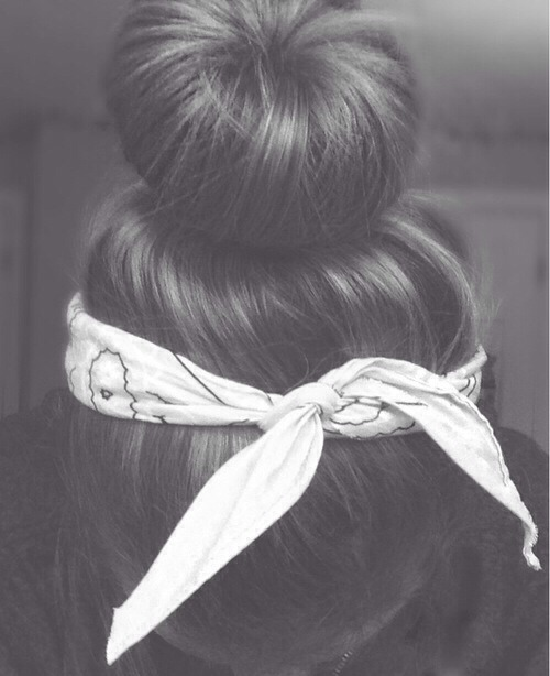 The bandana under classic bun look
