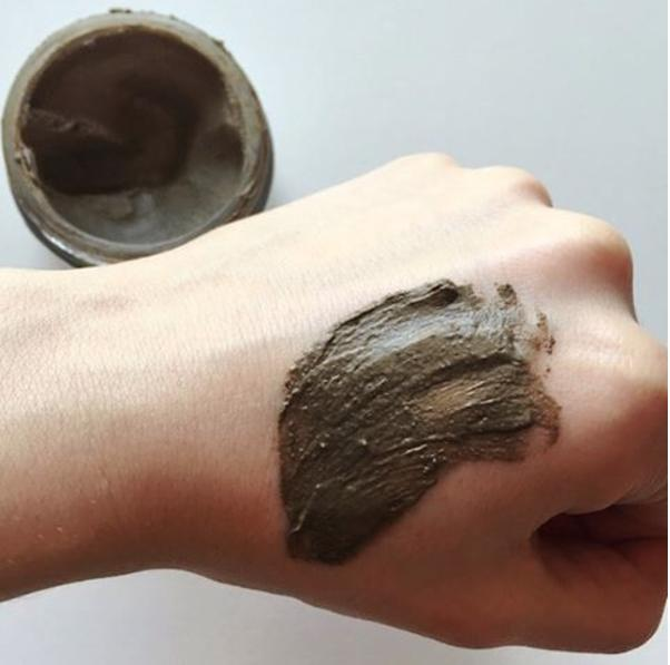 The Minerals Your Skin Is CravingLauren created the Glacial Facial Purifying Mineral Mud Masque - a gentle mask perfect for all skin types that detoxifies, exfoliates and softens skin. The mud is jam-packed with minerals that promote healthy, moisturized and flawless skin.