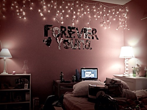 Turn Your Bedroom Into A Tumblr Room In 5 Easy Steps