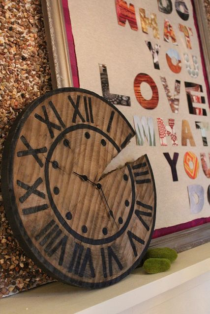 Make your own wooden clock.