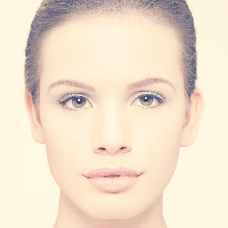 using a brush or your hand, apply a thin consistent layer to your entire face. let sit for 30 minutes then peel it off.