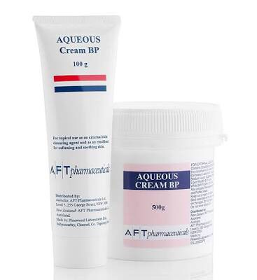 Scoop approximately 1/2 a cup of aqueous cream into a medium sized tub, any brand is fine