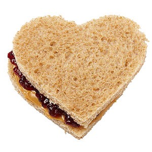 Josh Capon Dad of Amanda, 6, and Max, 3; guest judge on Food Network's Chopped; and executive chef of Lure Fishbar and B&B Winepub, in New York  PB&J heart-shaped sandwich on whole-wheat bread  Baby carrots  Banana with silly sticker