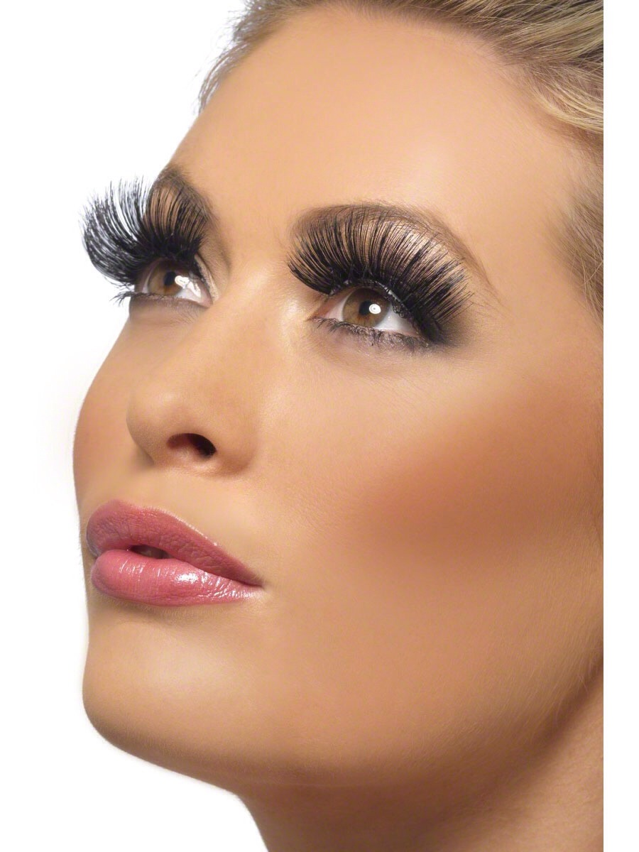 Also a primer for your lashes helps protect your lashes
