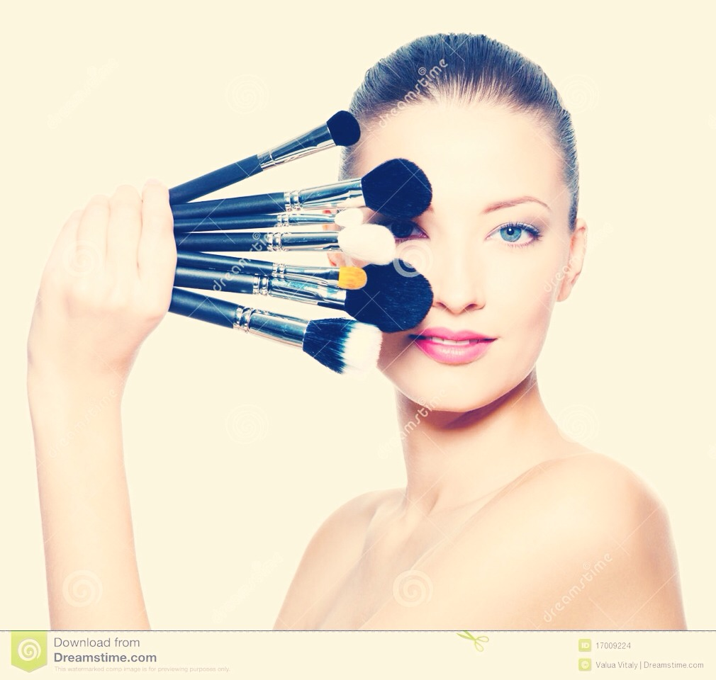 1. always wash your brushes! bacteria and old make up will clog your pores ever time you use make up..ewww!