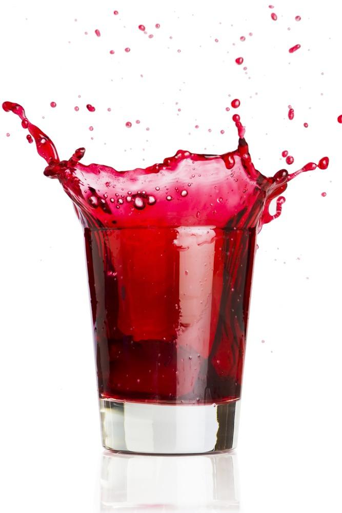 300 ml/1/2 pint cranberry juice  1/4 apple juice  1/4 pint freshly squeezed orange juice  1 tablespoon vinegar  1 cinnamon stick  2 cloves  2 strips lemon zest  600 ml/1 pint carbonated mineral water, chilled  4 ice cubes