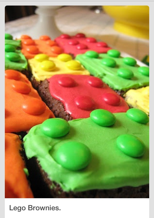 What a cute idea for a Lego theme party. Easy to make brownies, frosting and M&Ms  Please like 👍👍👍👍👍