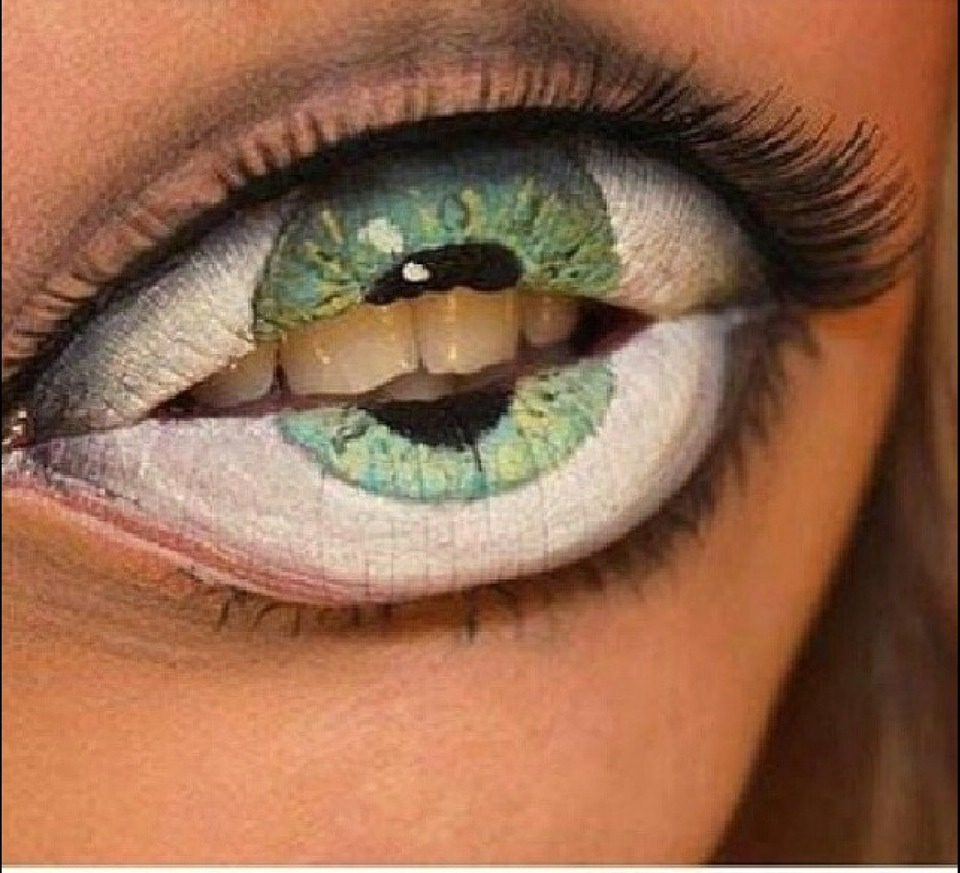 Try this eye popping fun look
