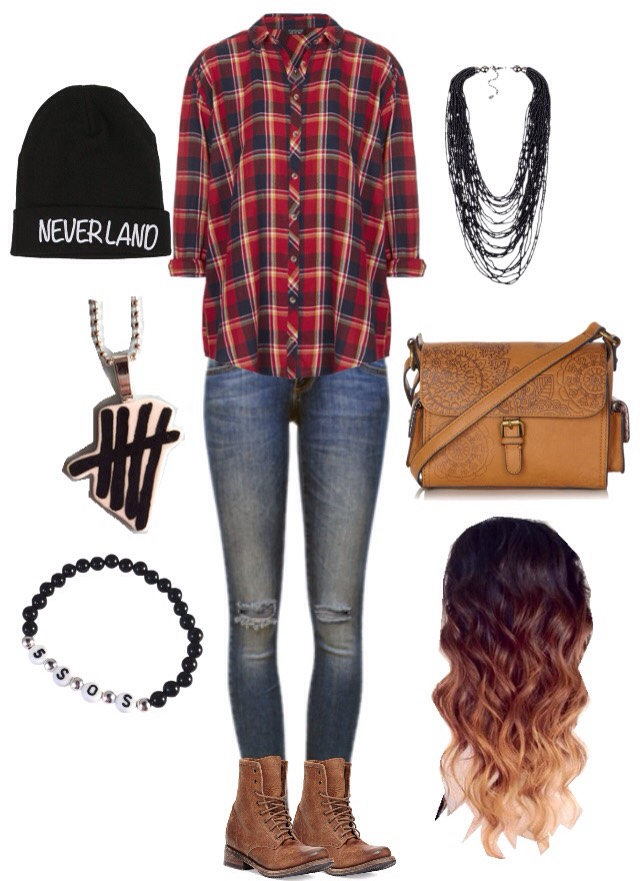 ... you're feeling punk rock. This outfit is just totally random and has no value to me whatsoever even though, guilty as charged, I am a big fan of 5SOS and I have tried to make the punk rock a thing in my life. Needless to say, it didn't work.