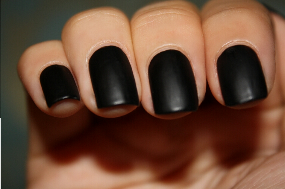 Get black matte nails like these with just 2 easy steps!