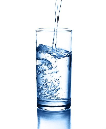 Most UNDERESTIMATED thing: Water. This has so many benefits! It can help clear skin, hydrate you, and fill you up. Drinking a glass before a meal will have you realize that you eat much less. Drink up ✨
