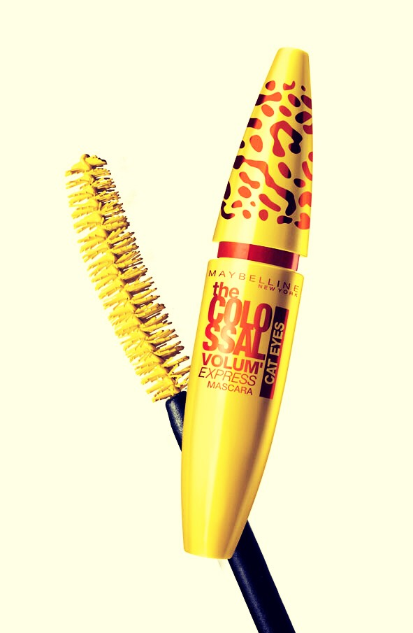 Don't mix different brands or different kinds of mascara together. Some chemicals in a mascara may not mix well with the chemicals in another mascara causing clumping.