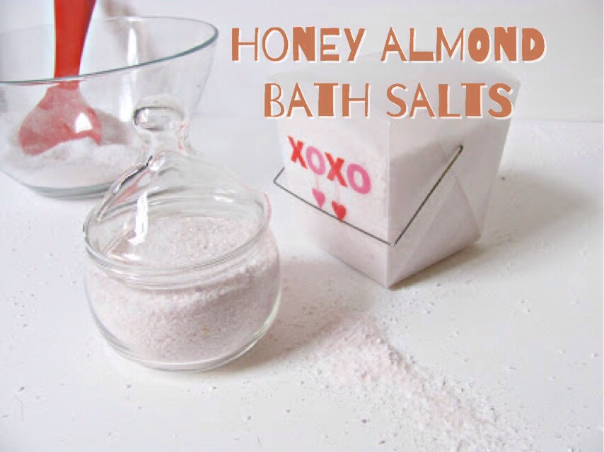 You can find the ingredients + instructions HERE | http://www.shrimpsaladcircus.com/how-to-sday-valentine-bath-salts/