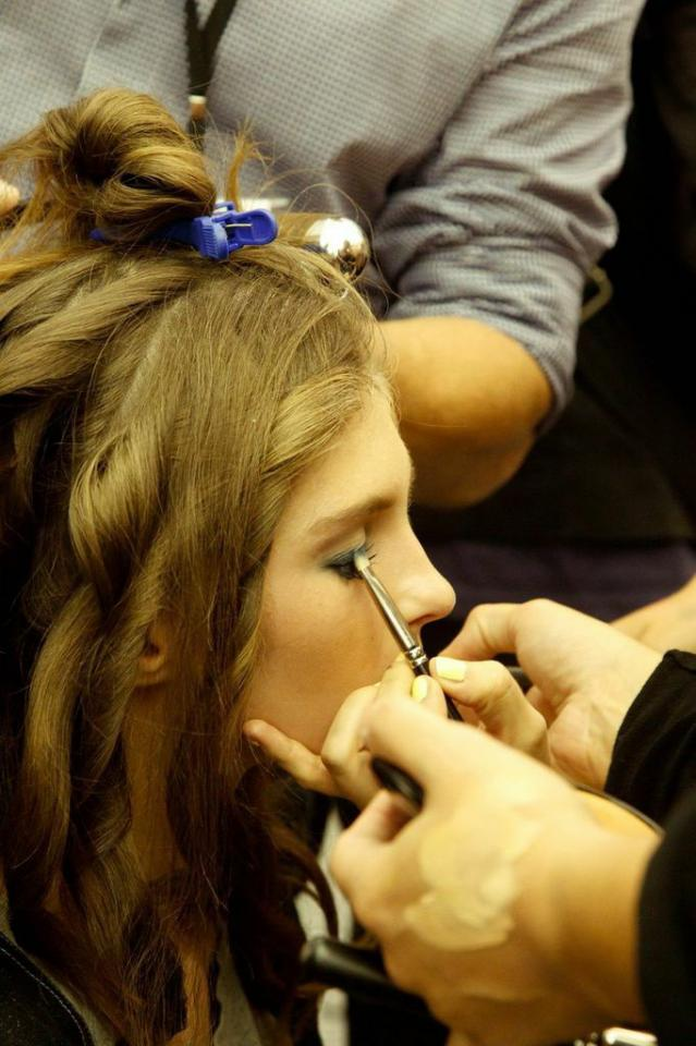 The only thing more fun than being at the shows, is being behind the scenes at the shows. Here are some of my favorite beauty backstage moments. Get inspired for the return of the graphic eye this spring and share your tips on how to achieve this look.