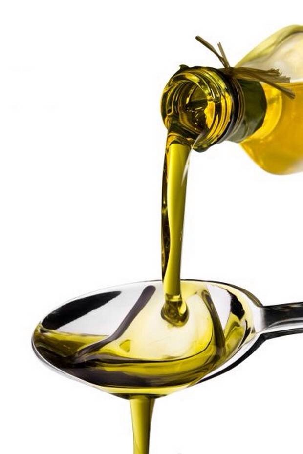 Get some olive oil put 1-2 tablespoons it in your hair.