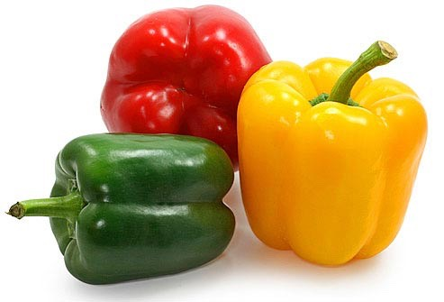 Capsicum, the component of red peppers which gives them their spice, also comes in the form of an oil which improves blood flow and circulation.Peppermint oil irritates lips enough to cause slight swelling and add a temporary flush of color without causing serious harm.
