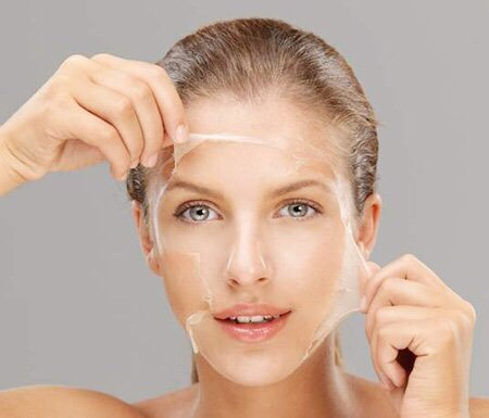 Whip up some 'whites reduce acne and fade scars  You will need…-2 to 3 egg whites, separated from yolks-Bowl-Washcloth Directions Whisk the whites until they're frothy, and let them sit for a few minutes. Cover your face with the mixtureAllow the mask to sit and dry for about 20 minutes